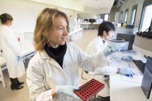 Exposition professionnelle analyse air en laboratoire essonne